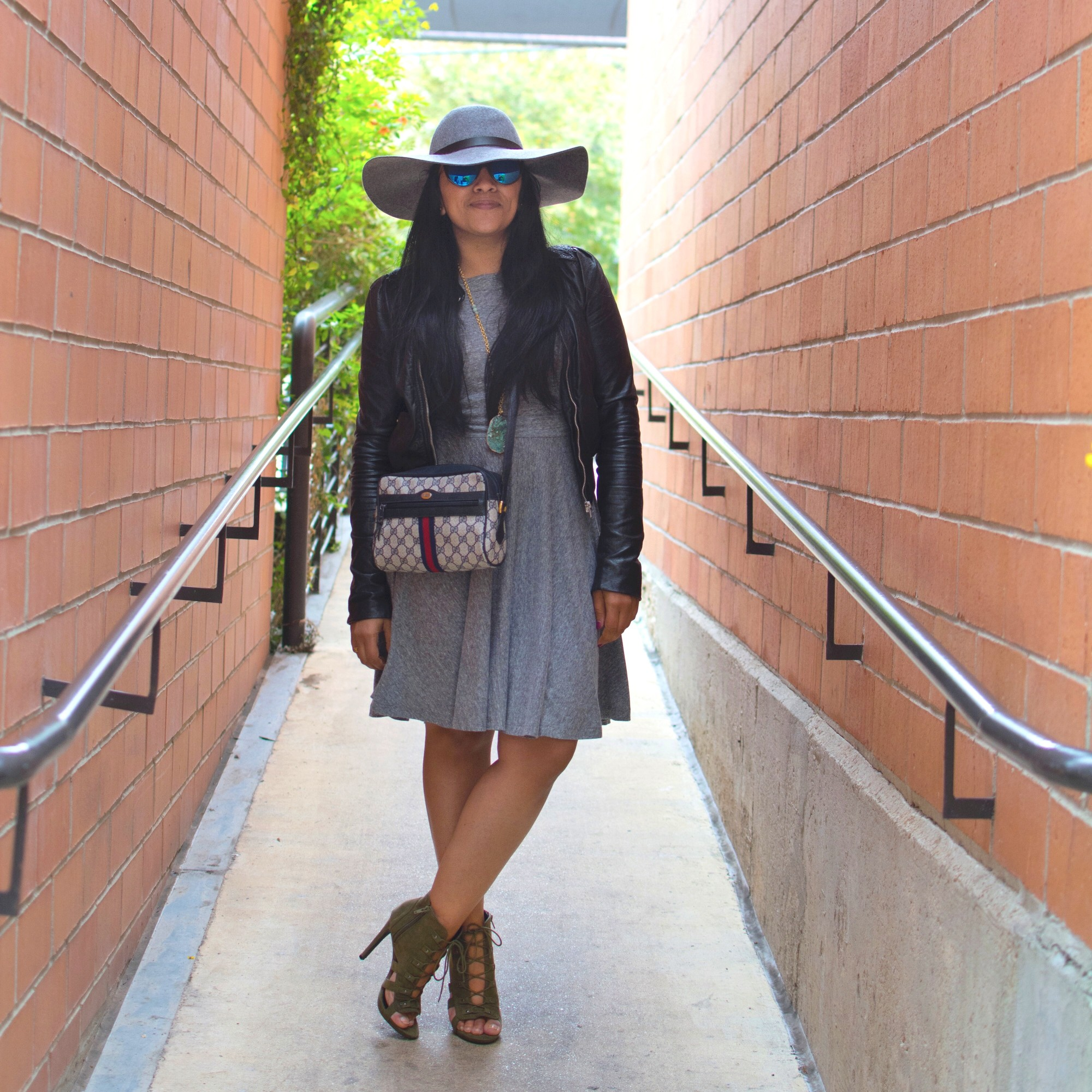 grey-hat-fall-outfit